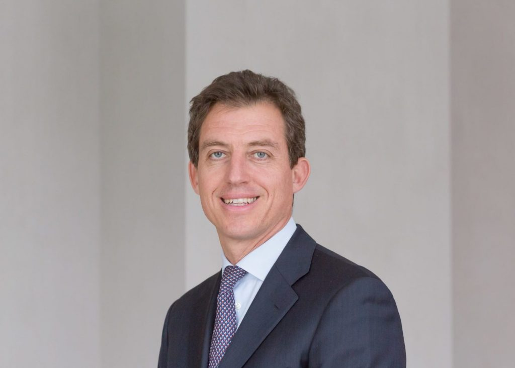Pictet AM puts the man back at the center of the world - Bluerating.com