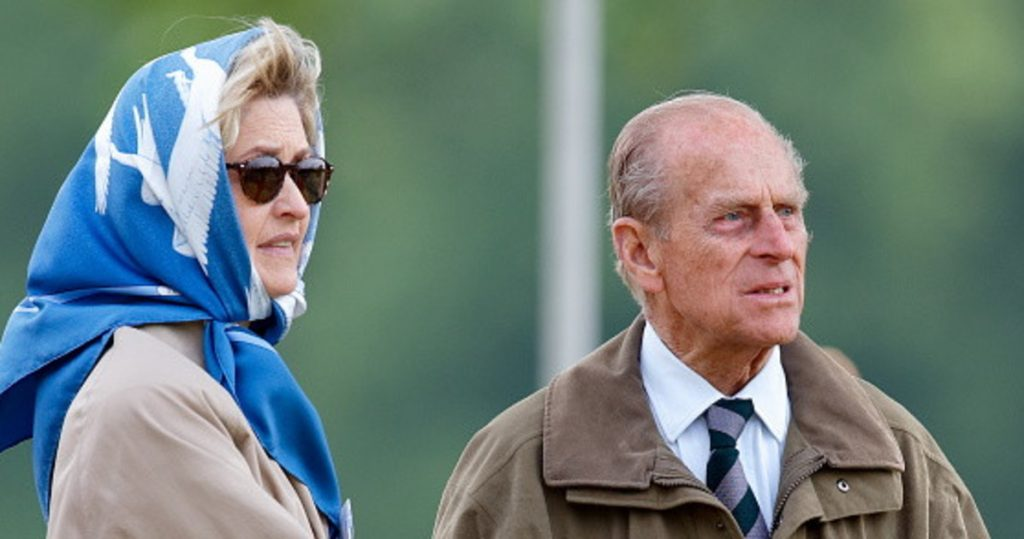 Prince Philip, as well as Penelope Knachpool at the funeral.  Who is the countess with whom she will have an affair - Libero Quotidiano