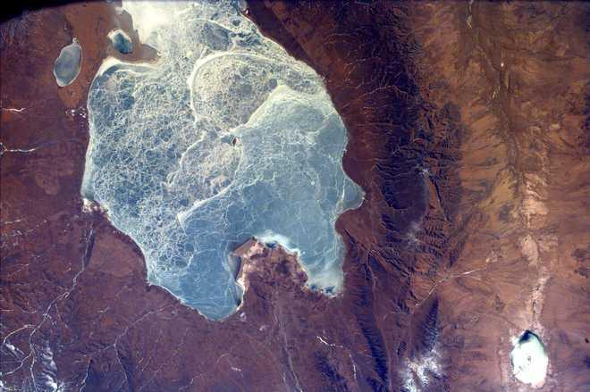 This & # x20;  Photos & # x20;  From & # x20;  NASA & # x20;  EarthKAM & # x20;  Collect & # x20;  About & # x20;  All & # x20;  Quinghai, & # x20;  Largest & # x20;  Lake & # x20;  Between & # x20;  China.  & # x20;  Autumn & # x20;  Between & # x20;  County & # x20;  Quinghai & # x20;  & # X20;  & # X20;  Qinghai Tibetan Plateau.