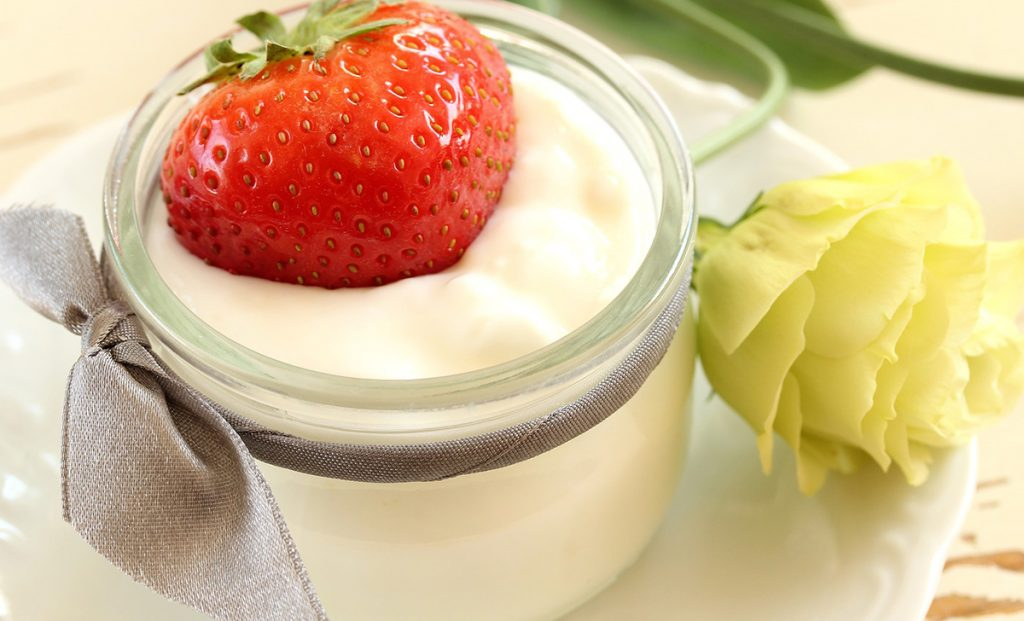 No one knows that regular yogurt is a real remedy for everyone to solve a pervasive problem that often embarrasses us, plus another really effective advice.