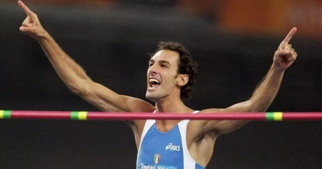 Former athletics champion Alessandro Talotti has passed away: he was 40 years old and he was fighting cancer.  It was one of the best high jump blues