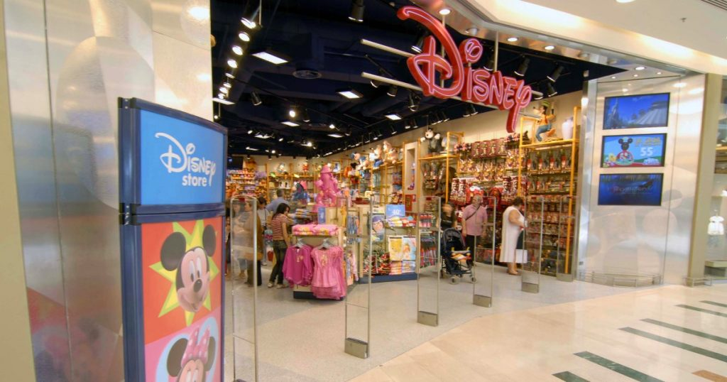 """All Disney stores in Italy will be closed: 230 jobs at risk.  Trade unions: """"The company is already in liquidation, a serious decision."""""""