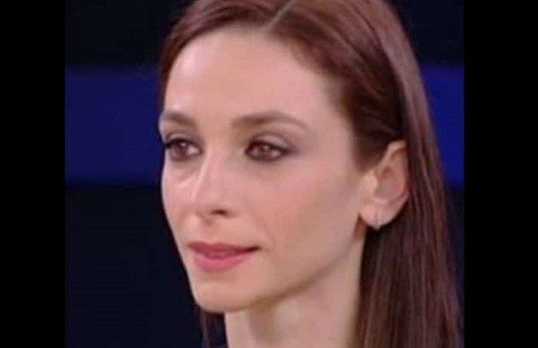Amici: ballerina professionista fuori. Litigio in diretta con Maria De Filippi. Ecco chi è