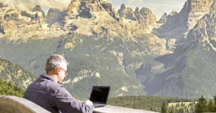 I work with peaks or lakes: it's smart business tourism - the Chronicle