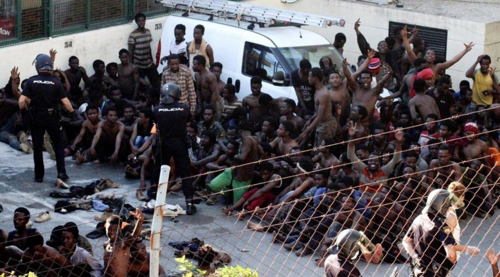 """Migrant crisis in Ceuta, European Union Commission: """"We do not allow ourselves to be afraid of anyone"""""""