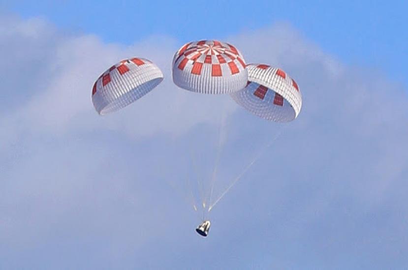 Rientro dallo spazio della capsula Crew Dragon. E' ammarata in California