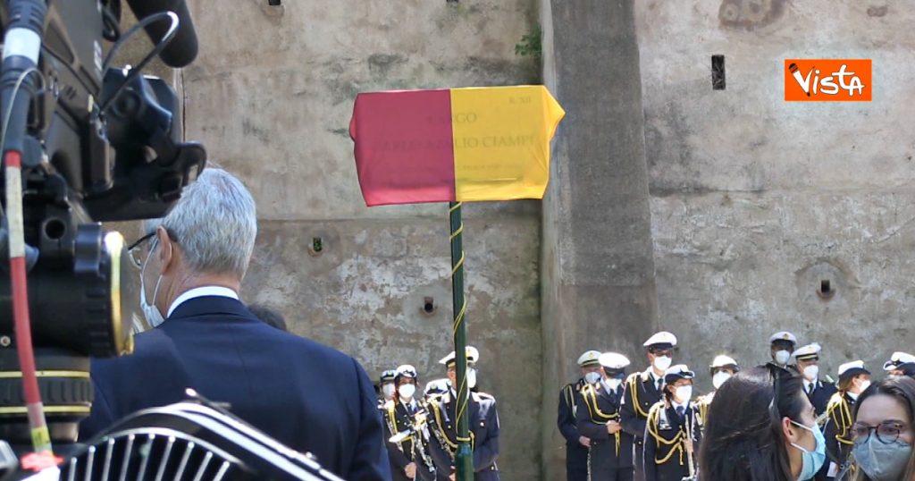"Embarrassed at the ceremony for Zimbabwe in Rome, the plate reads ""Acelio"": Mattarella, Figo and Casellotti leave early"