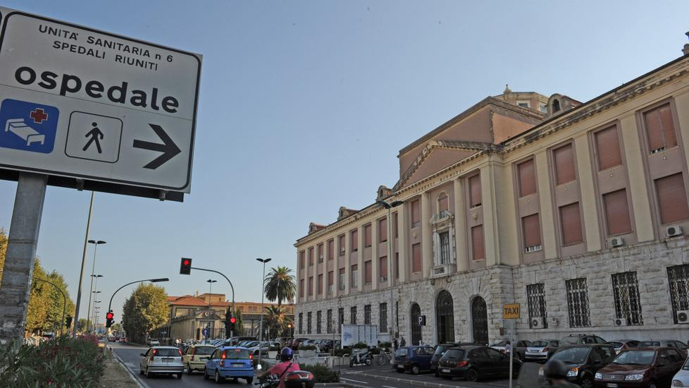 Sixteen doctors leave the Livorno hospital in 2021: there is also the head of the Department of Neurology