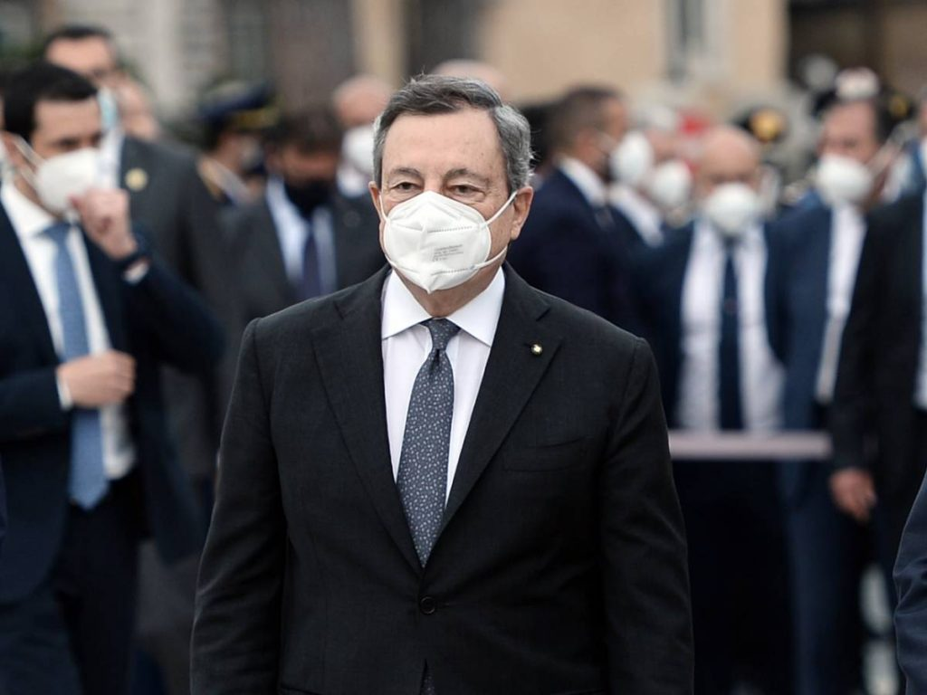 Clash with territories, then the phone call from Draghi: What happened with the vaccines