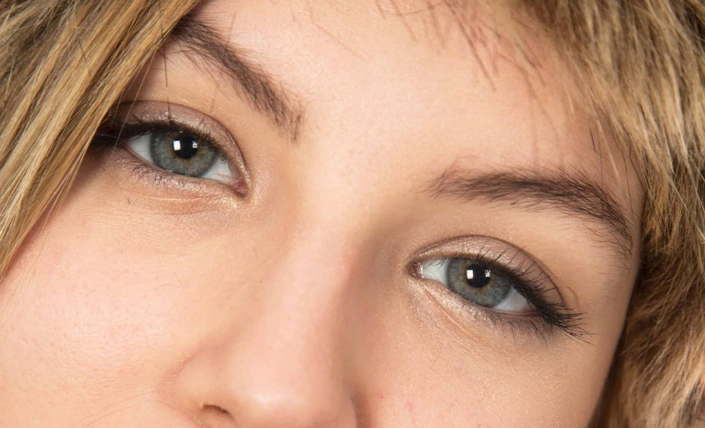 Here are effective and natural solutions that you can apply when you are suffering from a common eye problem