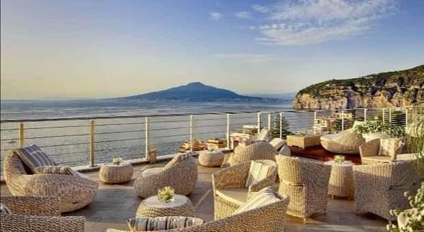 Sorrento, Live Music on the Picturesque Terrace: Start on Sunday with Barbara Tucker
