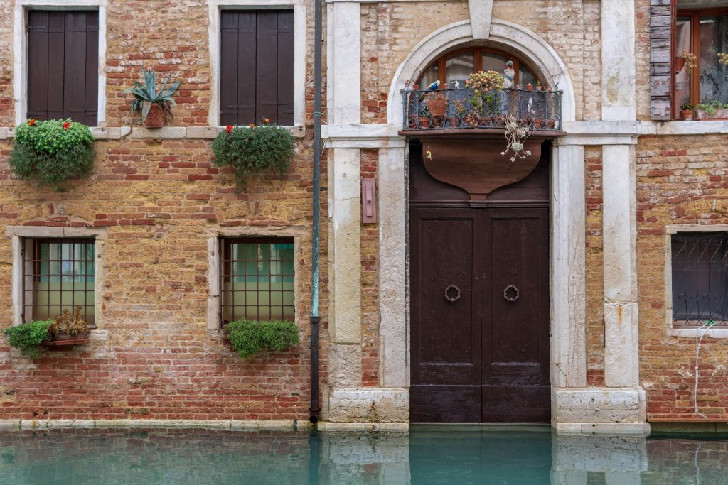 """The Florence and Venice group and Airbnb's """"contribution"""""""