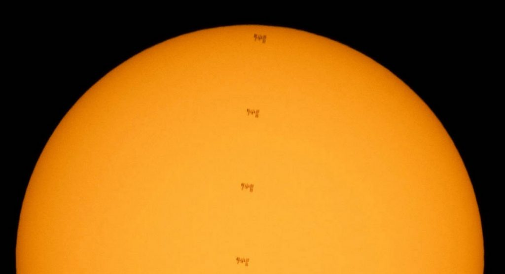 The International Space Station passes in front of the sun: the stunning image released by NASA
