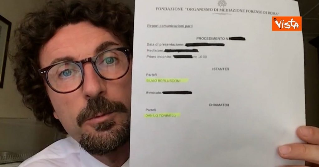 """Toninelli: """"Received a civil summons from Berlusconi, he asks me 200 thousand euros"""".  Kedini: """"He is the one who sued the former Prime Minister"""""""