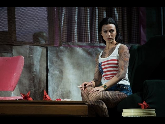 The faltering butterfly, Corinne Winters invades Circus Maximus