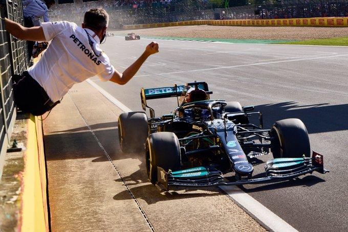 Silverstone: Hamilton and Mercedes shorten the distance