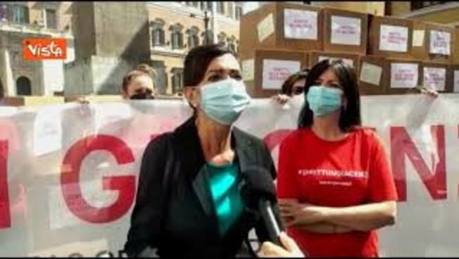 Boldrini wants to vaccinate immigrants: