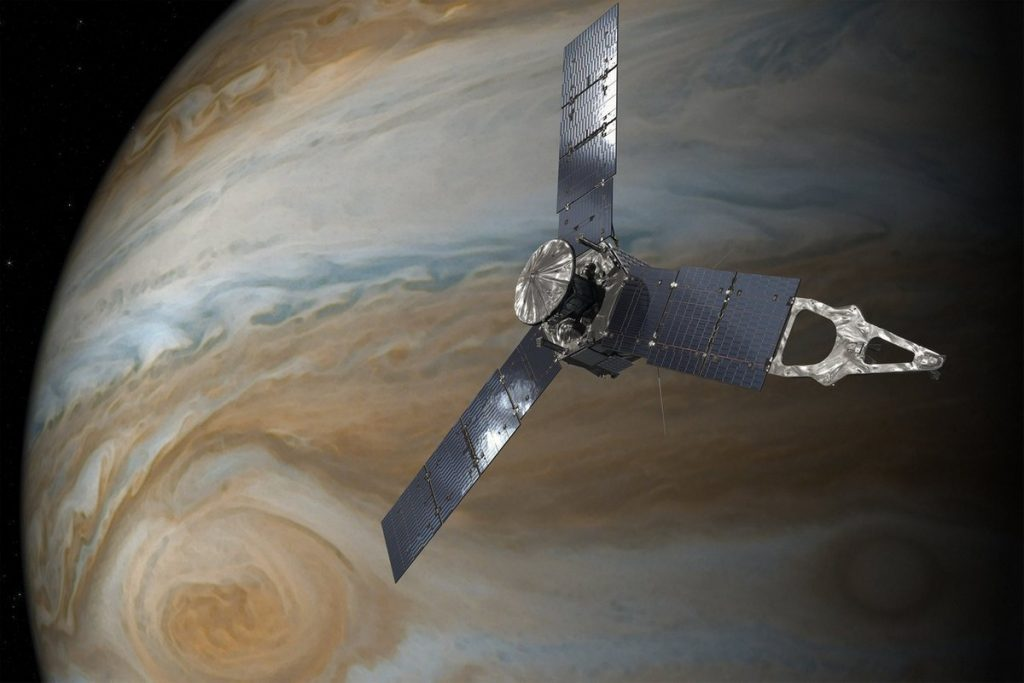 Check Juno, flybys of Ganymede and Jupiter have been reconstructed in a video sequence