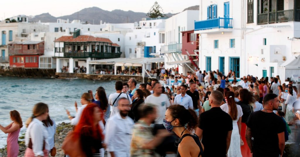Covid, increase in infections in Mykonos: Curfew returns on the Greek island until July 26.  There is no music in bars, restaurants and clubs