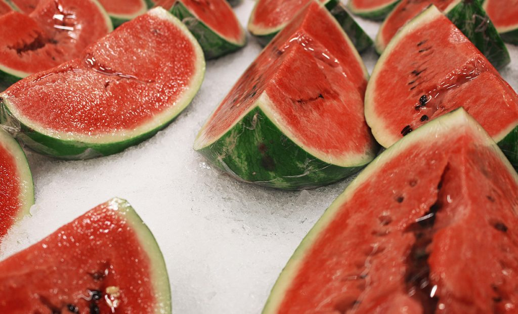 Hardly anyone washes this summer fruit and yet not doing so is dangerous