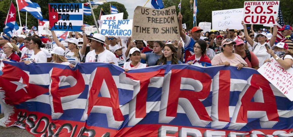 "Pro-Pepe Grillo dictatorship: ""Cuba opposes!""  / ""Revolutionary Guarantee"": Blog Vs EU-USA"