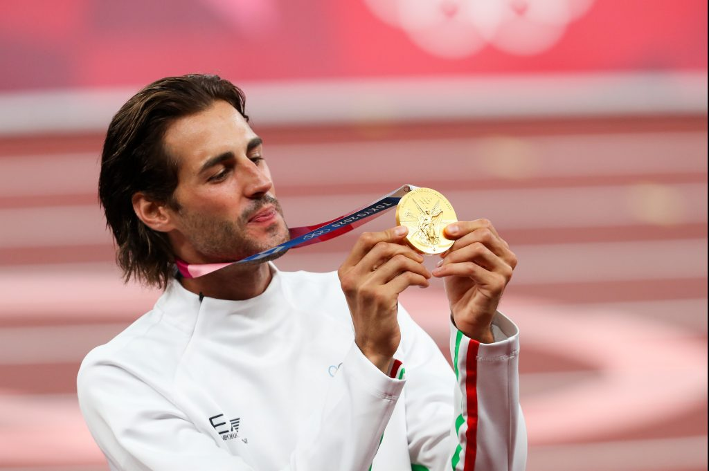 5 gold medals in athletics like the USA