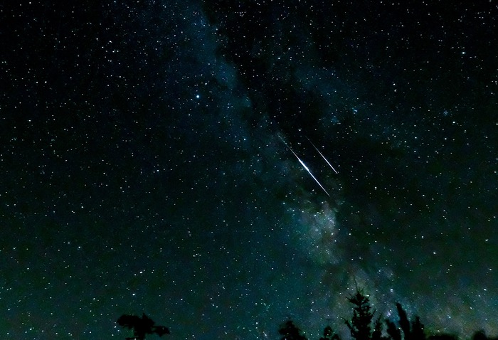 In the sky of August, giant planets and shooting stars - space and astronomy