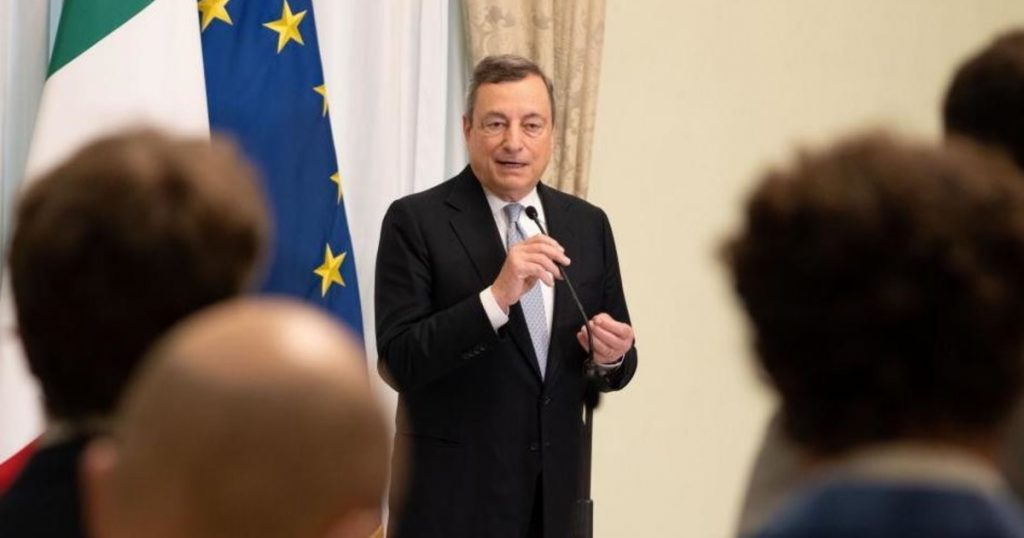Mario Draghi, The Rocket on Citizenship Income.  So he tries to spoil the vacations of Renzi and Salvini - Il Tempo