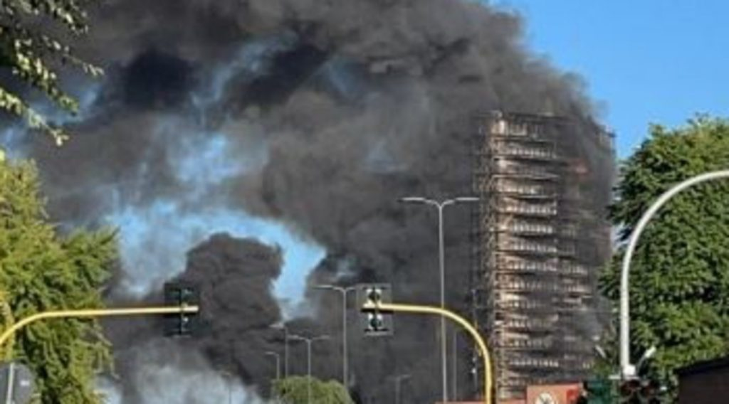 Milan, 16-storey building on fire: Tenants evicted