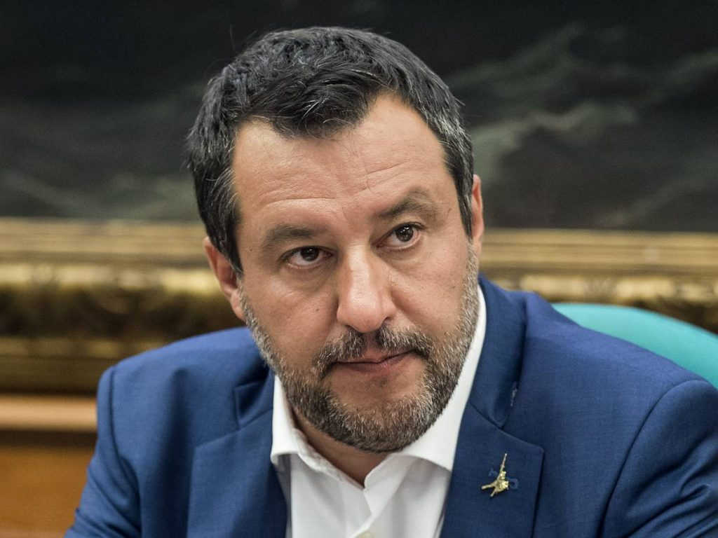 """""""The inevitable fall in open arms"""".  What can happen to Salvini now"""