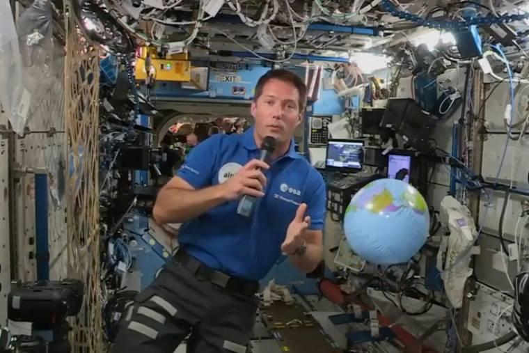 Thomas Pesquet interviene il 30 aprile 2021 dalla stazione spaziale (AGENZIA SPAZIALE EUROPEA/-)