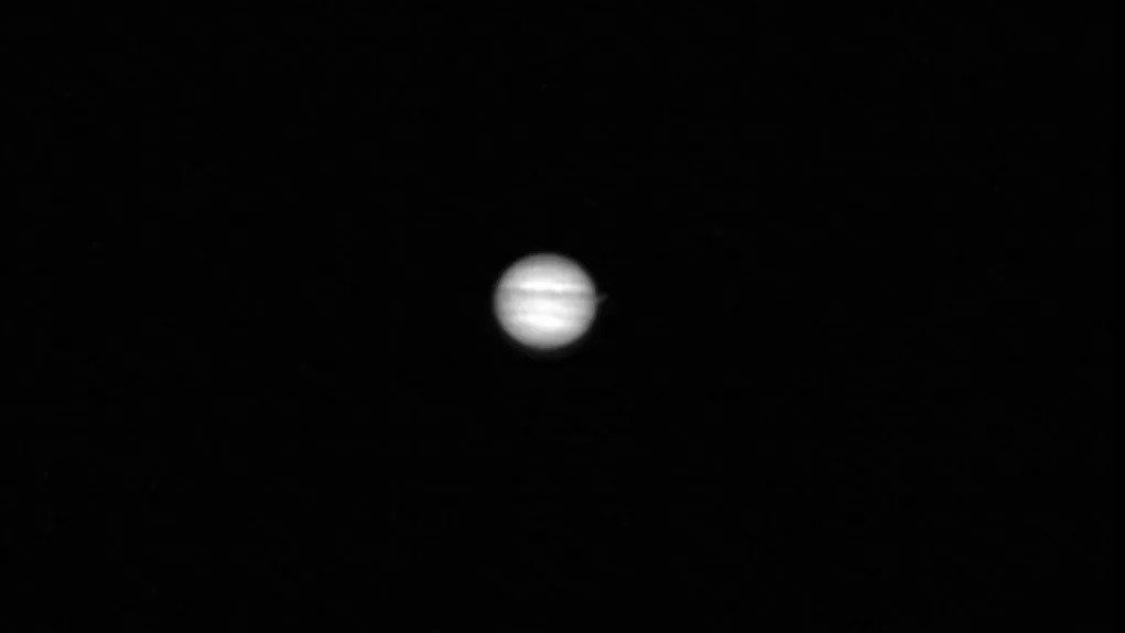 The ancient lunar probe LRO gives us a glimpse of Jupiter