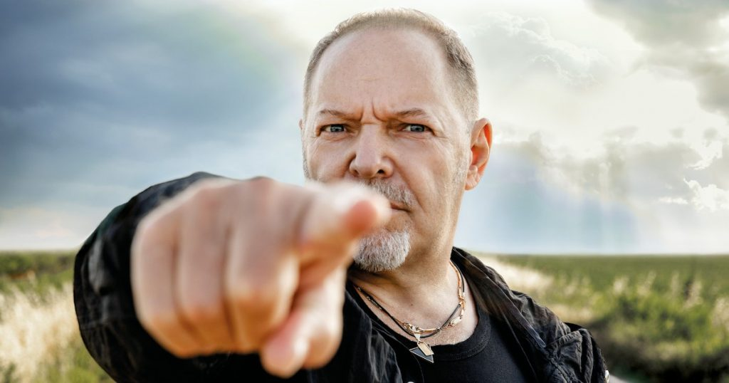 """Vasco Rossi: """"Here we are, we are full of trouble. I feel an avalanche of public ignorance coming. Salvini and Meloni? There is a constant sowing of hatred and division."""""""
